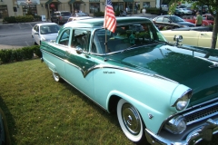 \'55 Ford Fairlane Bert & Carolyn